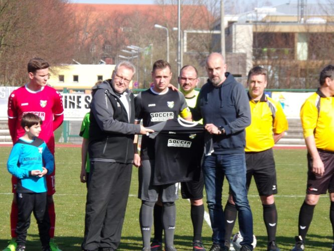 Neue Trikots für die 1. Mannschaft des FC Sängerstadt