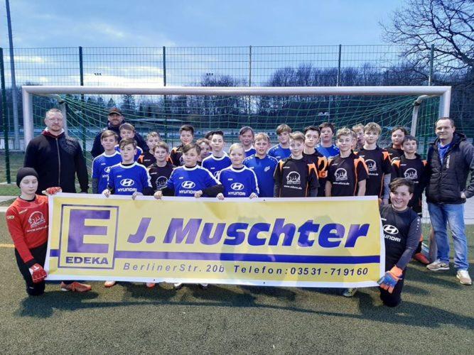 Sieg im Vorrundenspiel des Edeka-Jahrhundert-Fußballturniers